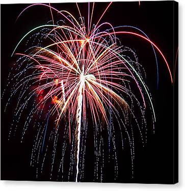 4th Of July Fireworks 20 Canvas Print by Howard Tenke