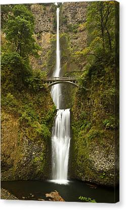 Multnomah Falls 2 A Canvas Print