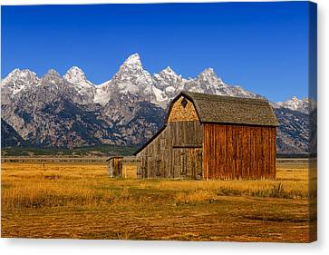 Canvas Print featuring the photograph Murphy Barn by Greg Norrell