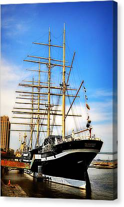 Mushulu At Penns Landing Canvas Print by Bill Cannon