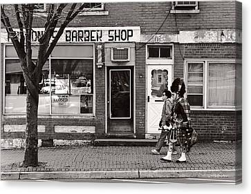 Music - Bag Piper - Somerville Nj -  The Scottsman Canvas Print by Mike Savad