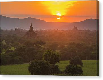 Myanmar Bagan Temples Of Bagan At Sunset Canvas Print by Inger Hogstrom