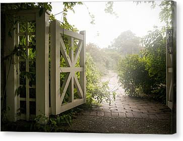 Mystic Garden - A Wonderful And Magical Place Canvas Print by Gary Heller