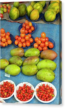 Nadi Produce Market, Nadi, Viti Levu Canvas Print by David Wall