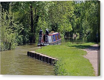 Narrowboat On Oxford Canal Canvas Print by Tony Murtagh