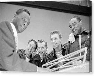 Nat King Cole Playing Piano For Some Fans 1954 Canvas Print