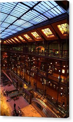 National Museum Of Natural History - Paris France - 011348 Canvas Print