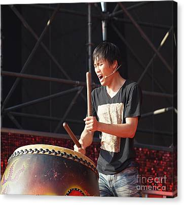 Native Drummer Performs In Taiwan Canvas Print by Yali Shi
