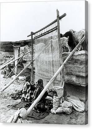 Navajo Weavers, C.1914 Bw Photo Canvas Print