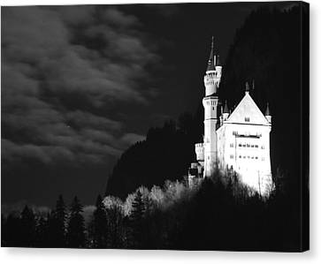 Neuschwanstein Castle Canvas Print by Matt MacMillan