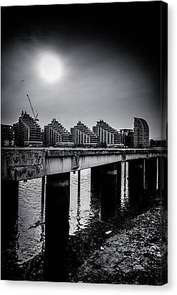 New Apartments Near Battersea Canvas Print by Lenny Carter