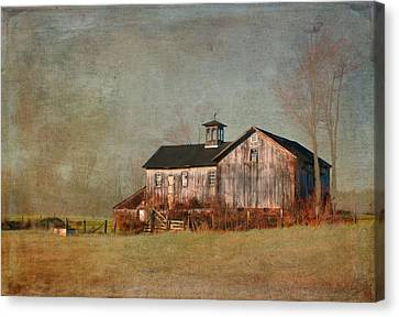 New Hampshire Barn  Canvas Print by Betty  Pauwels