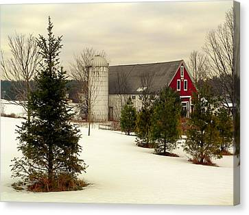 New Hampshire Barn Canvas Print by Janice Drew