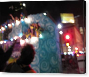 New Orleans - Mardi Gras Parades - 121247 Canvas Print by DC Photographer