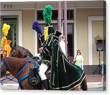 New Orleans - Mardi Gras Parades - 121258 Canvas Print by DC Photographer