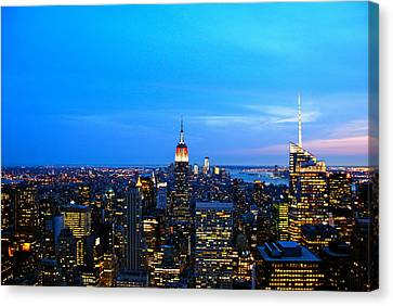 New York By Night Canvas Print by Eric Dewar