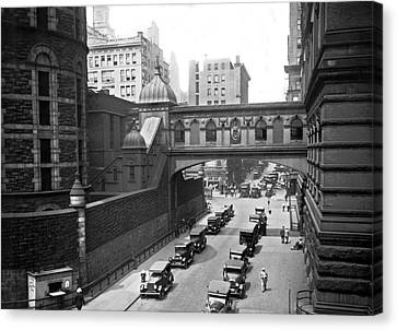 New York City Bridge Of Sighs Canvas Print by Underwood Archives