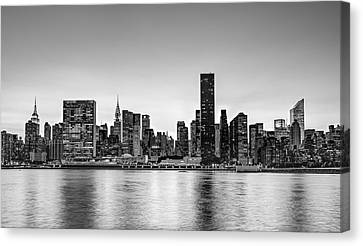 New York City Dusk Colors Bw Canvas Print by Susan Candelario