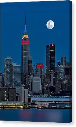 New York City Moonrise  Canvas Print by Susan Candelario