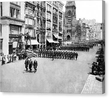 New York City Police In Parade Canvas Print by Underwood Archives