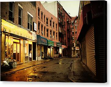 New York City - Rainy Afternoon - Doyers Street Canvas Print