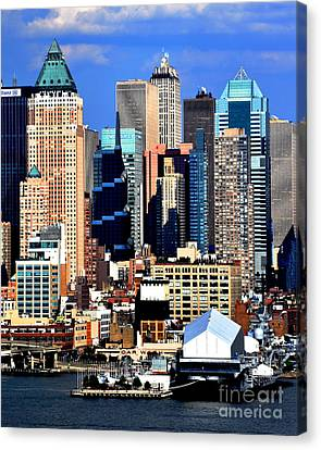 New York City Skyline With One World Wide Plaza Canvas Print