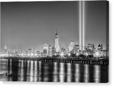 New York City Will Never Forget Bw Canvas Print