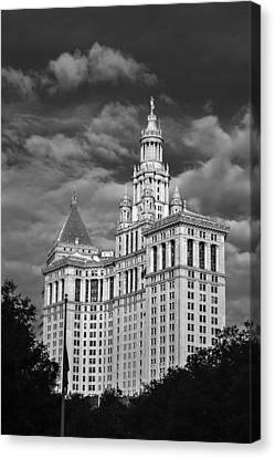 New York Municipal Building - Black And White Canvas Print