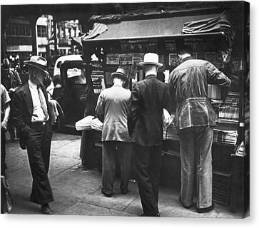 New York Newspaper Stand Canvas Print by Underwood Archives