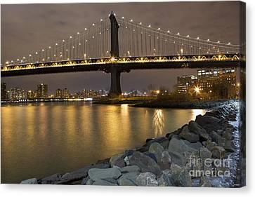 New York Nights Canvas Print by Leslie Leda