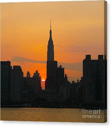 New York Skyline At Sunset Canvas Print by Avis  Noelle