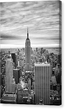 Black And White Photo Of New York Skyline Canvas Print by Dave Beckerman