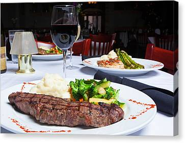 New York Strip Steak With Mashed Potatoes And Mixed Vegetables 4 Canvas Print by Erin Cadigan