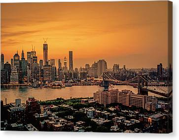New York Sunset - Skylines Of Manhattan And Brooklyn Canvas Print by Vivienne Gucwa
