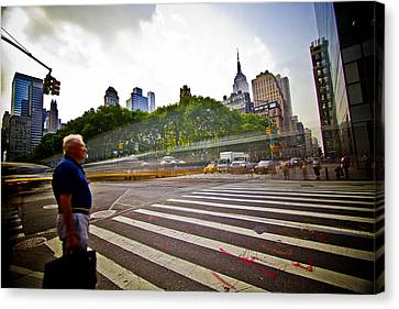 New York - Waiting... Canvas Print by Amador Esquiu Marques
