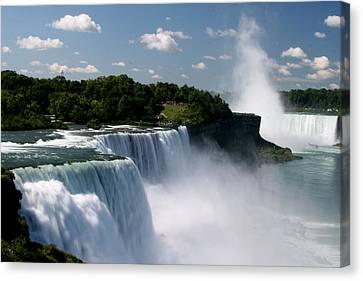 Niagara Falls Canvas Print by Sandy Fraser