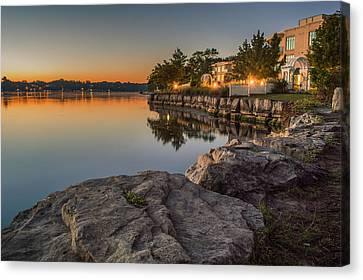 Niagara On The Lake  Canvas Print