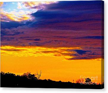 Night Thinks Of Day Canvas Print by Q's House of Art ArtandFinePhotography