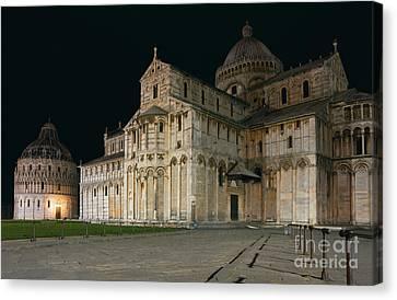 Nightshot Of Piazza Dei Miracoli In Pisa Canvas Print