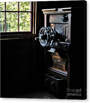 Canvas Print featuring the photograph Nordyke Marmon Grind Me A Pound by Lee Craig