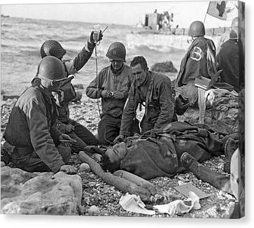 Normandy Invasion Medics Canvas Print by Underwood Archives