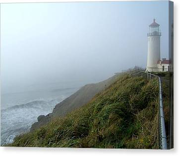 North Head Lighthouse 1 Canvas Print by Peter Mooyman