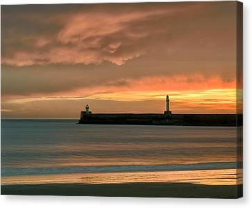 North Pier Dawn Canvas Print by Dave Bowman
