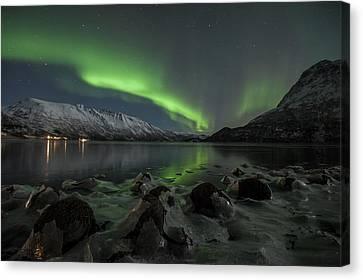 Northern Lights On The Rocks Canvas Print