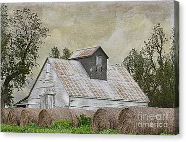 Canvas Print featuring the photograph Nortonville Kansas by Liane Wright