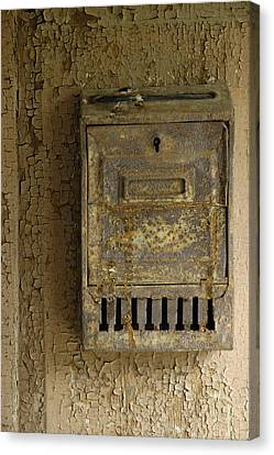 Nostalgia - Old And Rusty Mailbox Canvas Print by Matthias Hauser