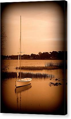 Canvas Print featuring the photograph Nostalgic Summer by Laurie Perry