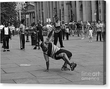 Canvas Print featuring the photograph Ny City Street Performer by Angela DeFrias