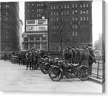 Ny Motorcycle Police Canvas Print by Underwood Archives