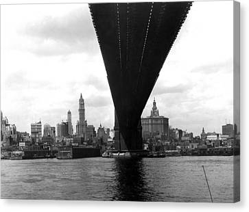 Ny Skyline From Brooklyn Canvas Print by Underwood Archives